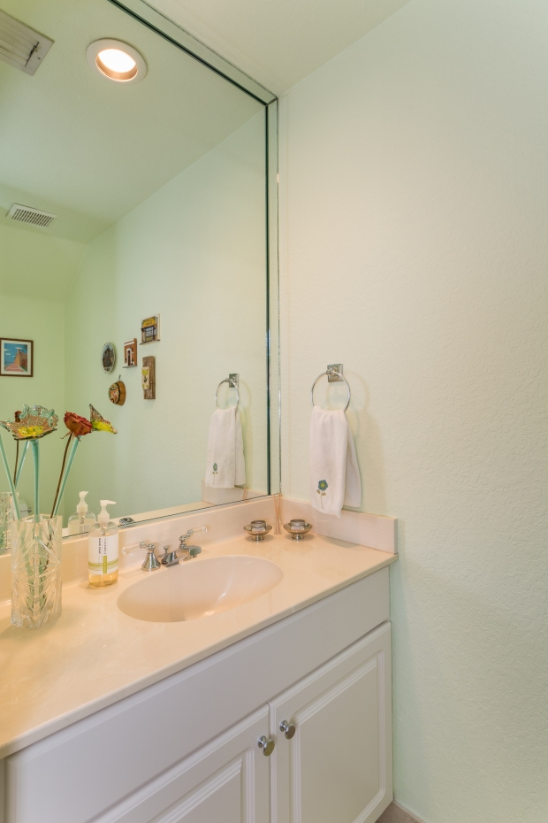 3072_bird_ave_1_MLS_2067662_HID970964_ROOMhalfbath