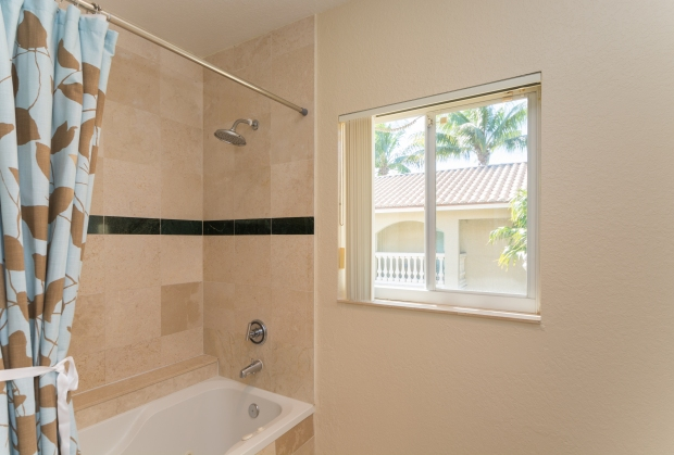 3072_bird_ave_1_MLS_2067662_HID970964_ROOMmasterbathroom