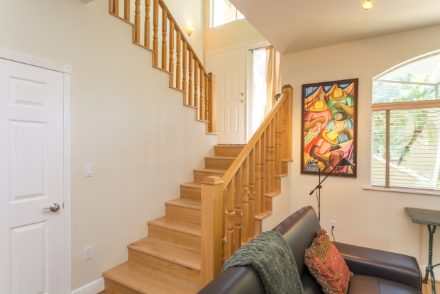 3072_bird_ave_1_MLS_2067662_HID970964_ROOMstairwell