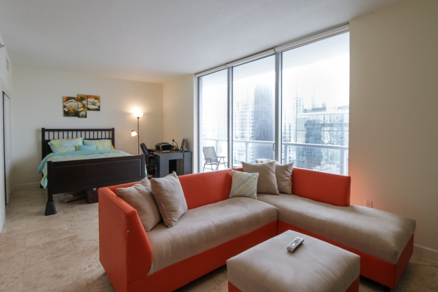 1050_brickell_ave_2012_MLS_10082161_HID1106780_ROOMlivingroom