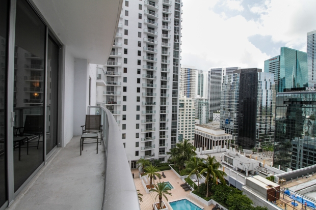 1050_brickell_ave_2012_MLS_10082161_HID1106780_ROOMMainExterior