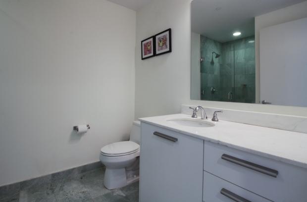 1050_brickell_ave_2012_MLS_10082161_HID1106780_ROOMmasterbathroom1