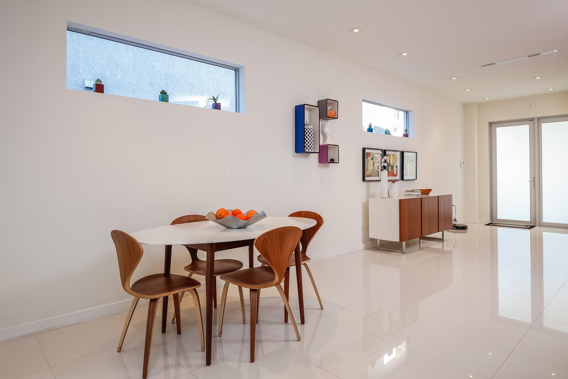 013-Dining_Room-5037887-medium
