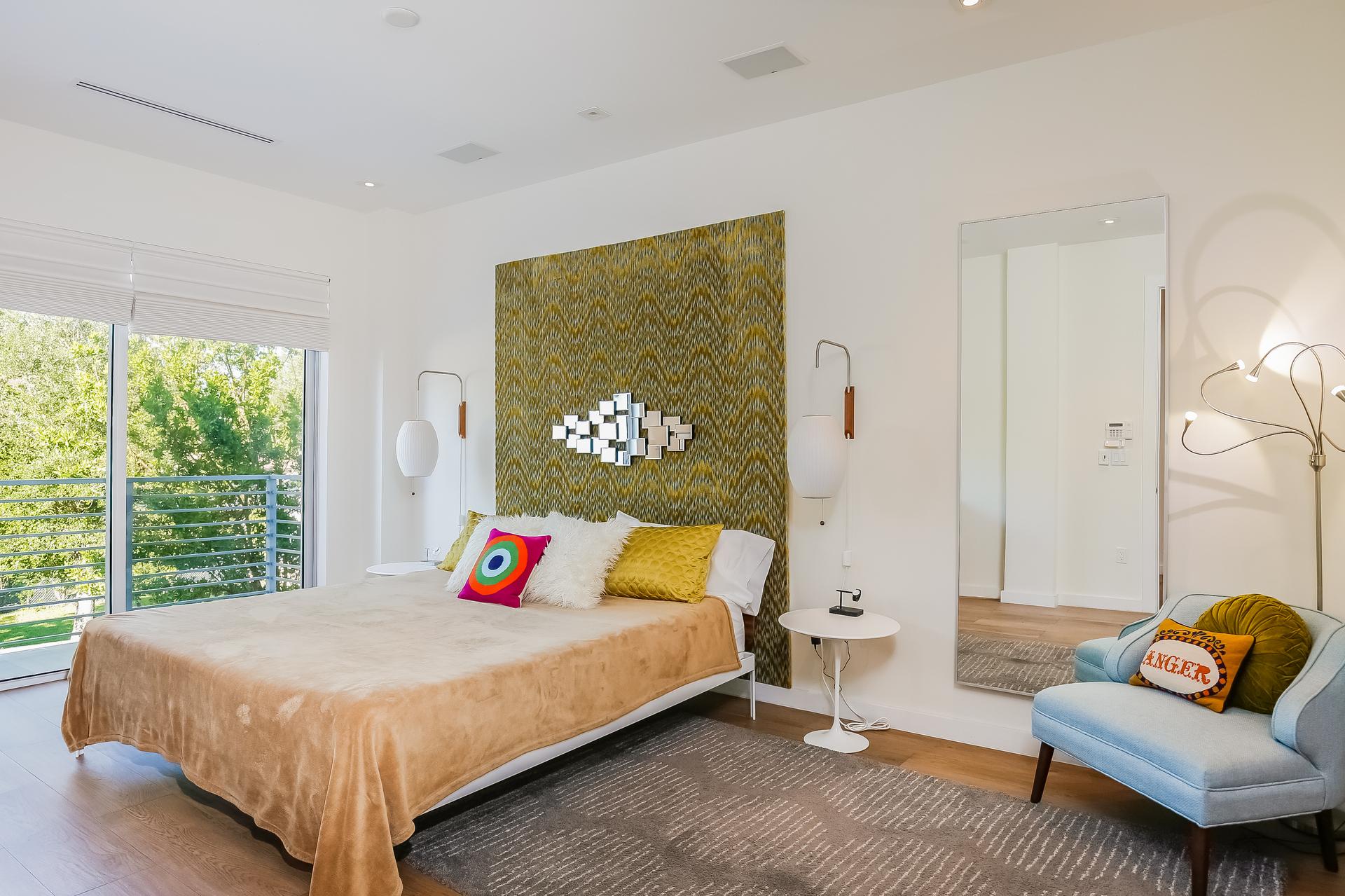021-Master_Bedroom-5037901-medium