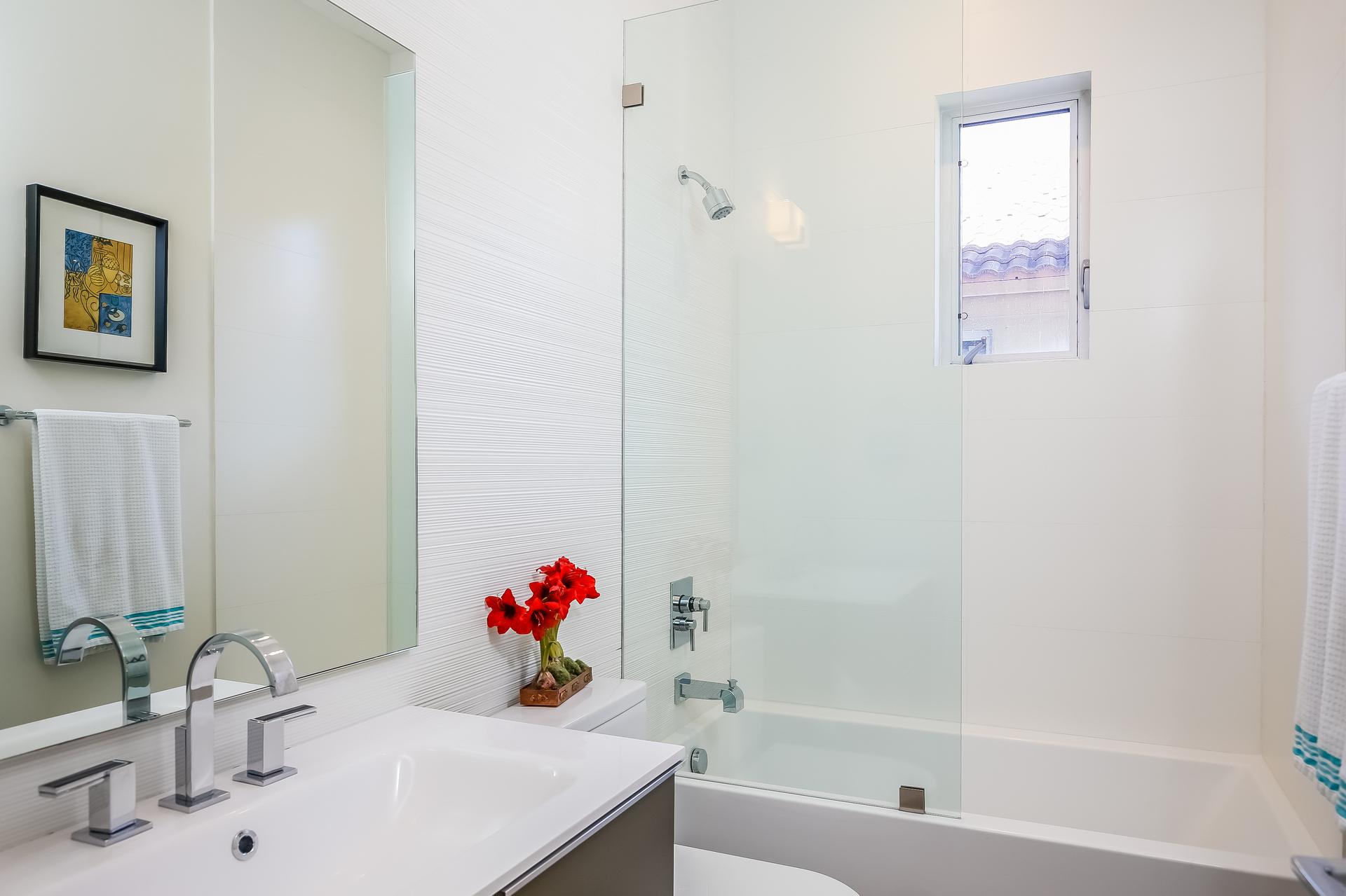 026-Bathroom-5037894-medium