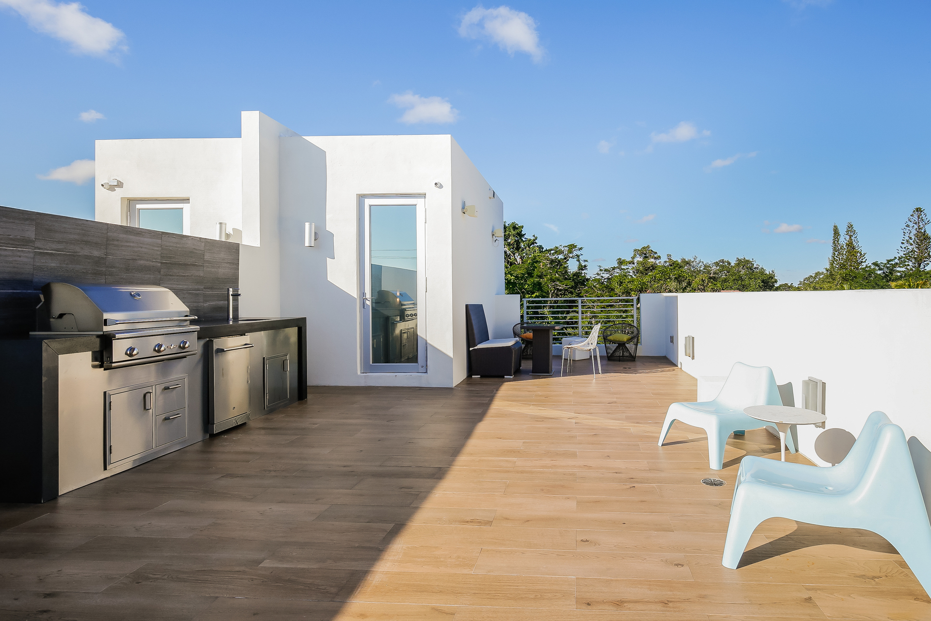 034-Roof_Terrace-5037905-medium